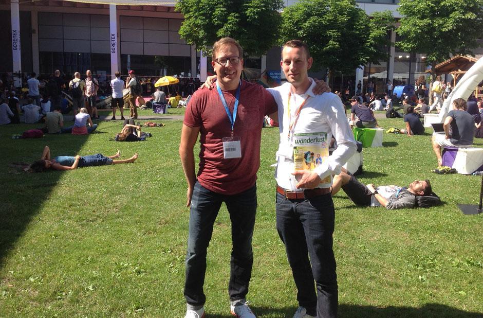 RFW-Redakteure Jan Brockhausen (l.) und David Vinzentz auf der OutDoor 2018 in Friedrichshafen. (Foto: RFW)